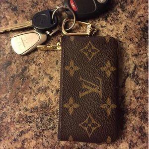 LV keychain wallet (TAKEN)